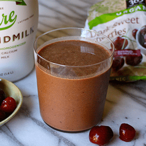 Healthy Desserts - Chocolate Covered Cherry Smoothie | Rachel Freebairn Fitness