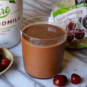 Healthy Desserts - Chocolate Covered Cherry Smoothie | Rachel Freebairn Fitness
